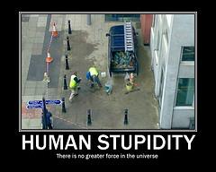 manusia memang bodoh!