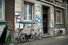 squatting, salah satu gaya hidup kaum urban