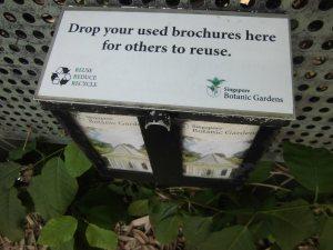 Kotak brosur di Singapore Botanical Garden